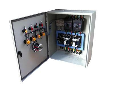 QJX星三角启动电控柜 水泵控制柜是充分吸收国内外水泵控制的先进经验,经过多年生产和应用,不断完善优化后,精心设计制作而成。 星三角电控箱具有过载、短路、缺相保护以及泵体漏水,电机超温及漏电等多种保护功能及齐全的状态显示,并具备单泵及多泵控制工作模式,多种主备泵切换方式及各类起动方式。可广泛适用于工农业生产及各类建筑的给水、排水、消防、喷淋管网增压以及暖通空调冷热水循环等多种场合的自动控制。 水泵控制柜内在质量优良,外形美观耐用,安装操作方便,是各类水泵安全可靠的伴侣。 QJX星三角启动电控柜 水泵控制柜